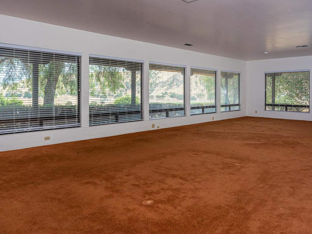 73841-Indian-Valley-Rd-San-016-010-Living-Room-MLS_Size