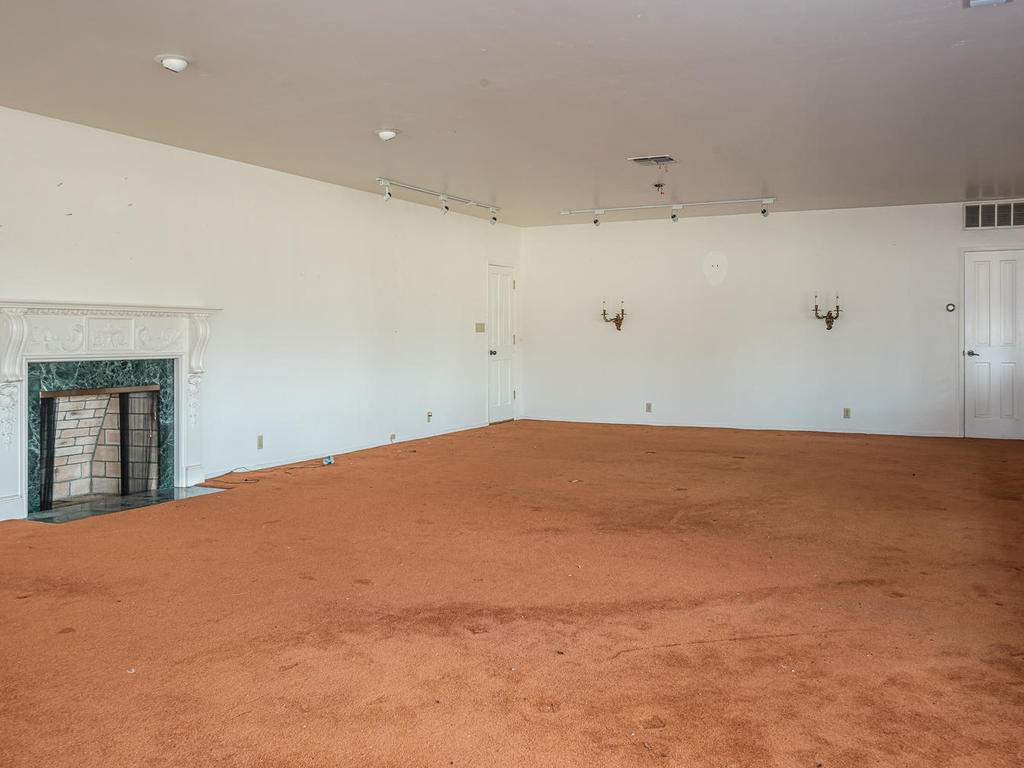 73841-Indian-Valley-Rd-San-017-036-Living-Room-MLS_Size