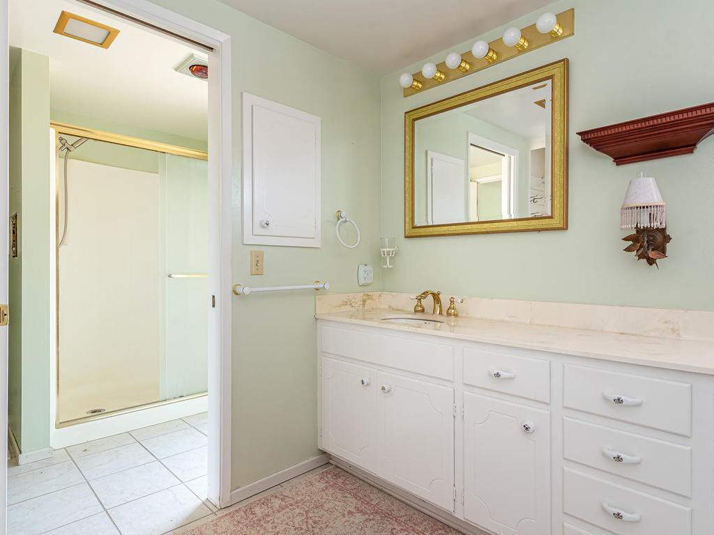 73841-Indian-Valley-Rd-San-020-017-Master-Suite-MLS_Size