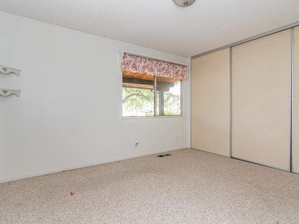 73841-Indian-Valley-Rd-San-023-016-Bedroom-Three-MLS_Size