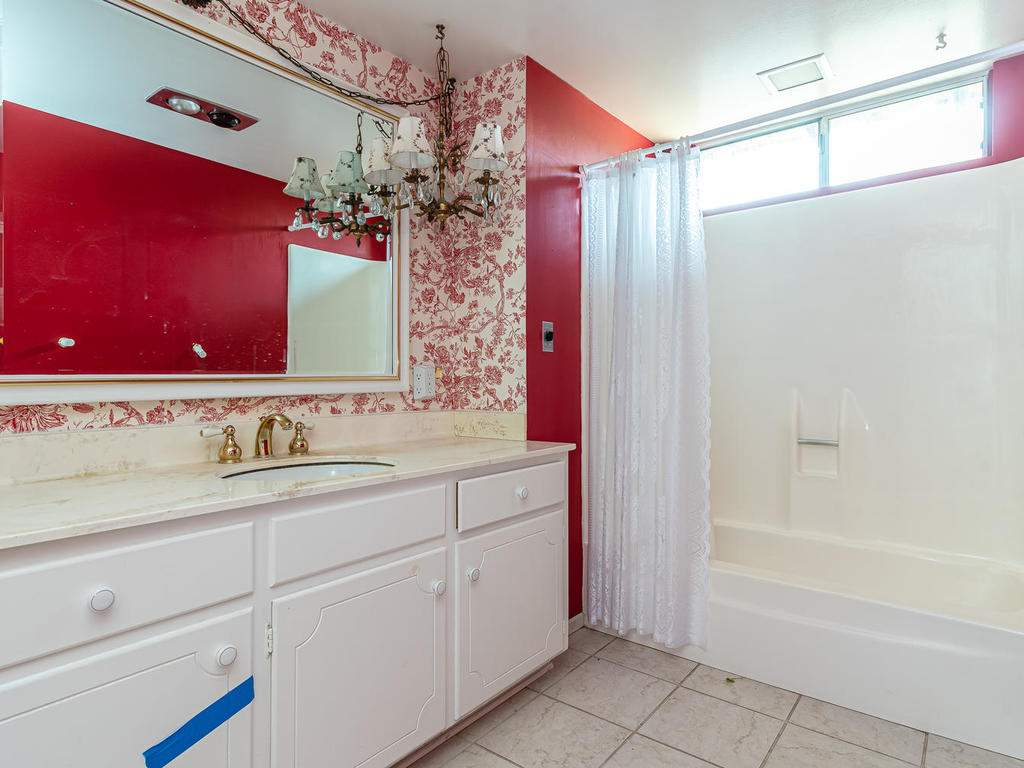 73841-Indian-Valley-Rd-San-024-013-Bathroom-Two-MLS_Size