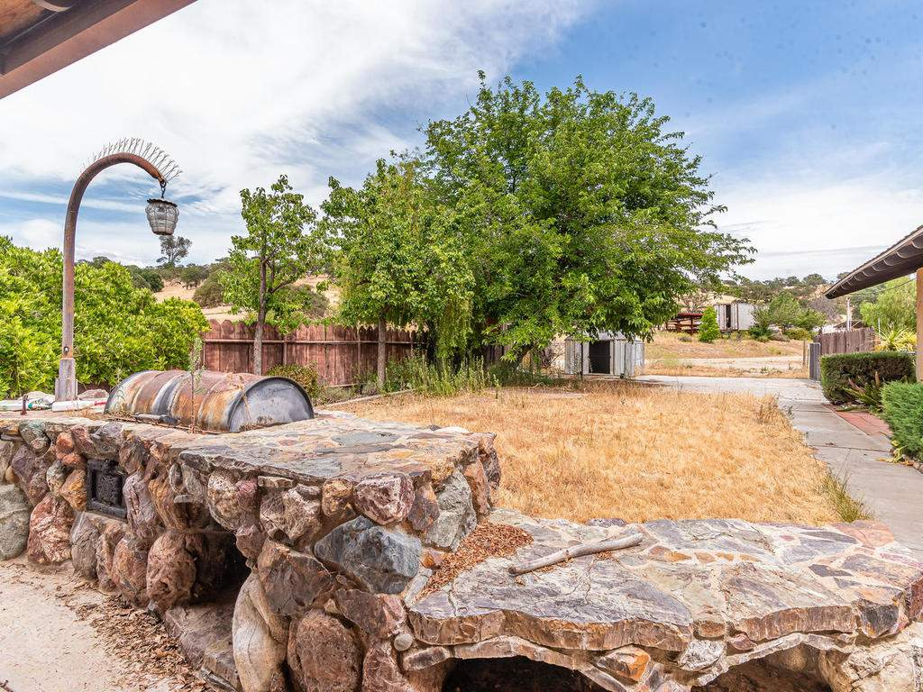 73841-Indian-Valley-Rd-San-032-041-Back-Yard-MLS_Size