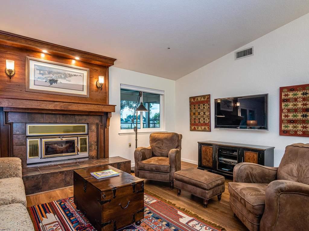 7818-ODonovan-Rd-Creston-CA-012-010-Living-Room-MLS_Size