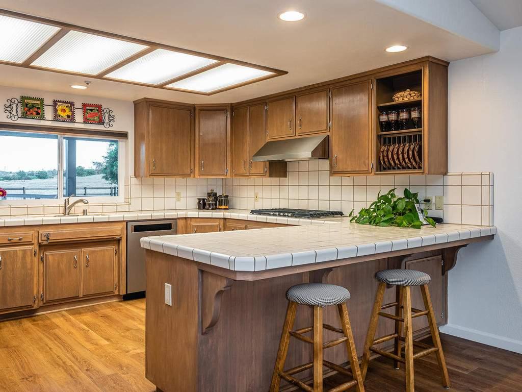 7818-ODonovan-Rd-Creston-CA-014-008-Kitchen-MLS_Size