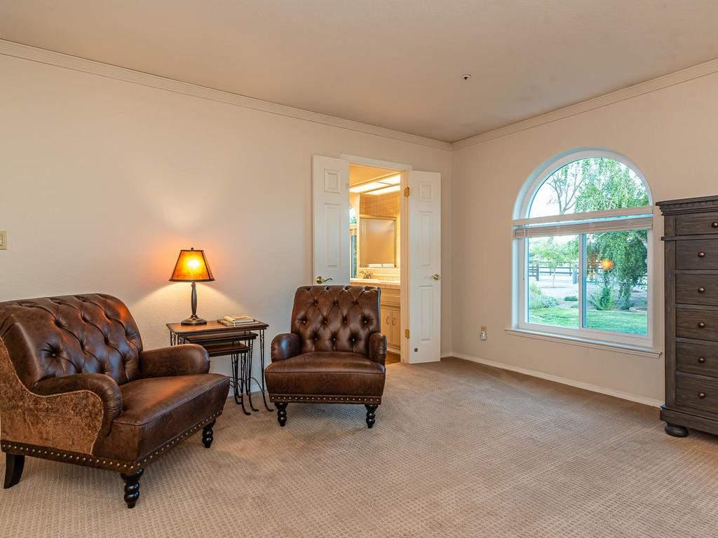 7818-ODonovan-Rd-Creston-CA-020-018-Master-Suite-MLS_Size