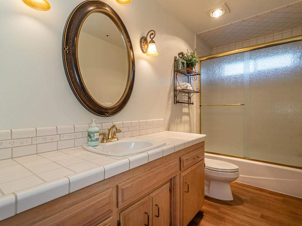 7818-ODonovan-Rd-Creston-CA-024-022-Bathroom-Two-MLS_Size