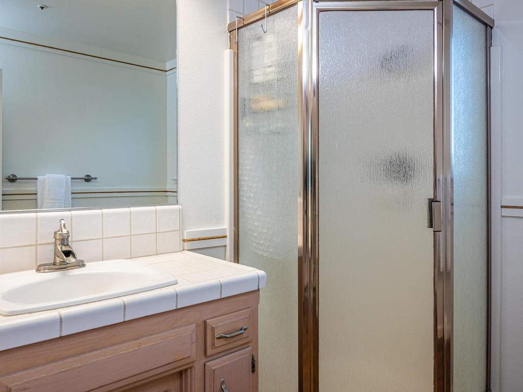 7818-ODonovan-Rd-Creston-CA-027-017-Bathroom-Three-MLS_Size