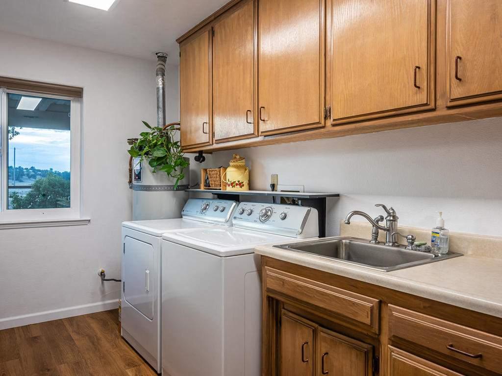 7818-ODonovan-Rd-Creston-CA-030-027-Laundry-Room-MLS_Size