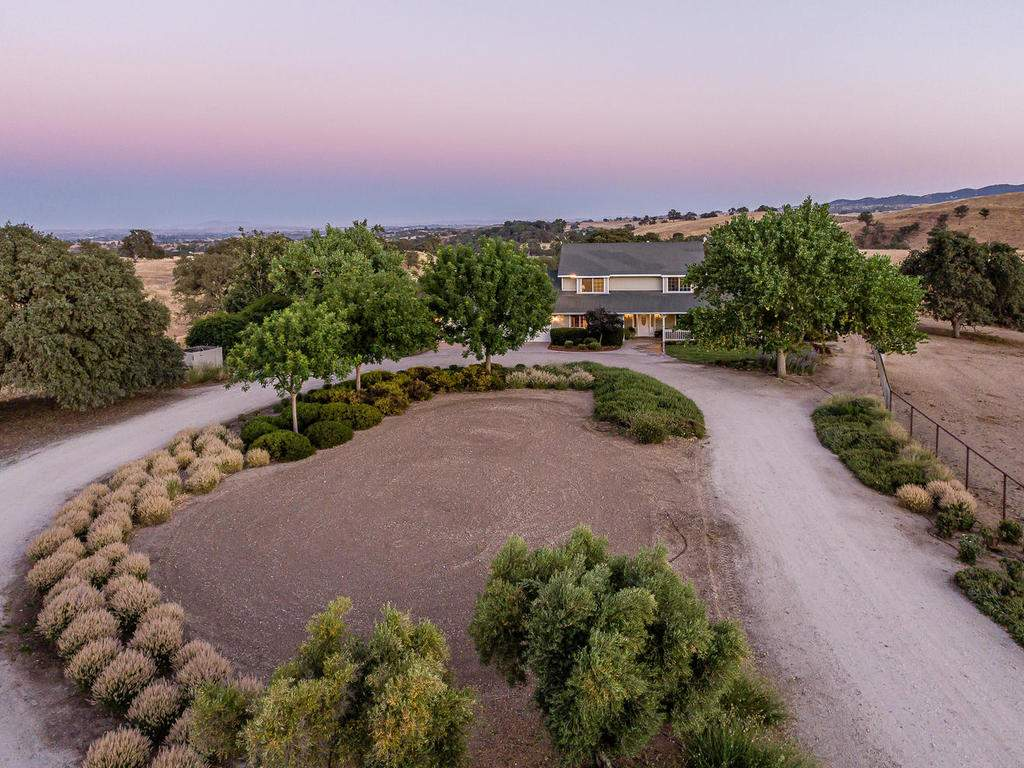 7997-Barnes-Rd-Paso-Robles-CA-003-002-Aerial-View-MLS_Size