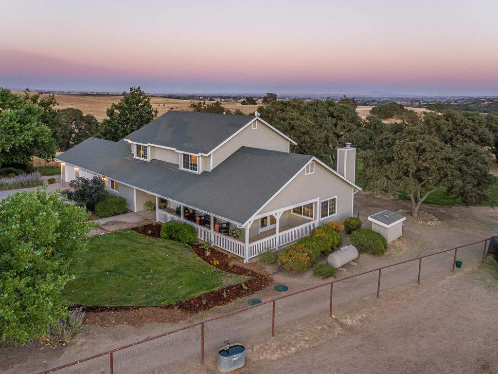 7997-Barnes-Rd-Paso-Robles-CA-005-003-Front-of-Home-MLS_Size
