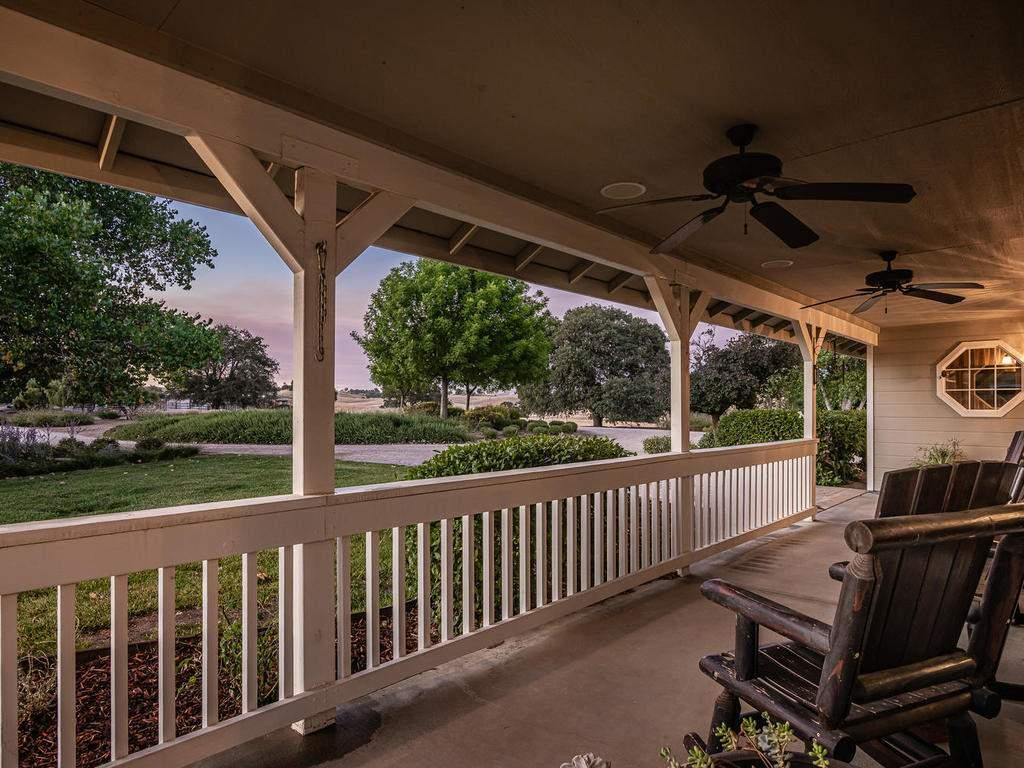 7997-Barnes-Rd-Paso-Robles-CA-009-012-Porch-MLS_Size
