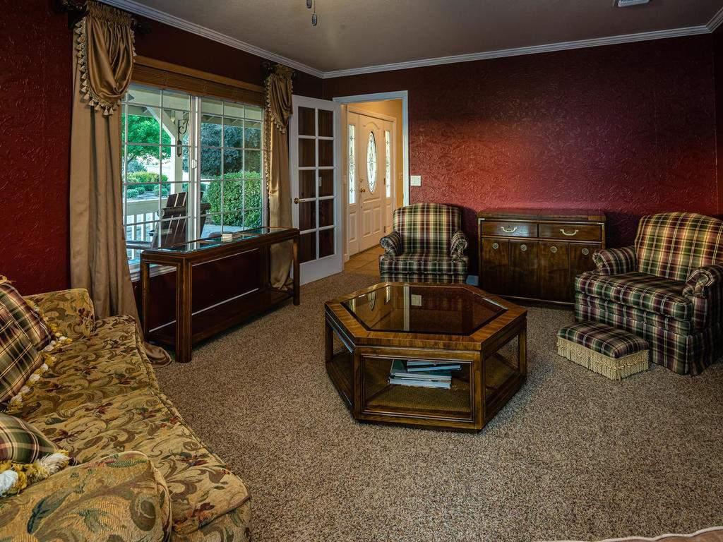7997-Barnes-Rd-Paso-Robles-CA-010-009-Living-Room-MLS_Size