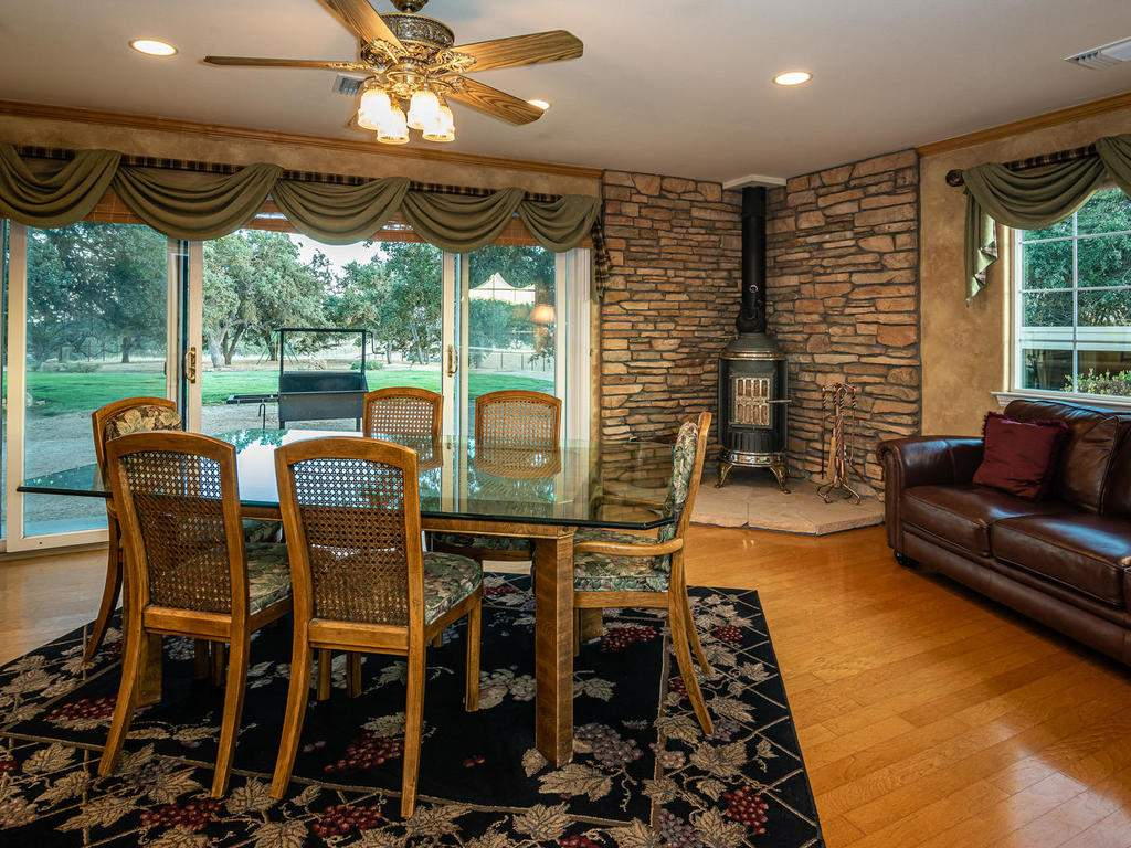 7997-Barnes-Rd-Paso-Robles-CA-012-011-Dining-Room-MLS_Size