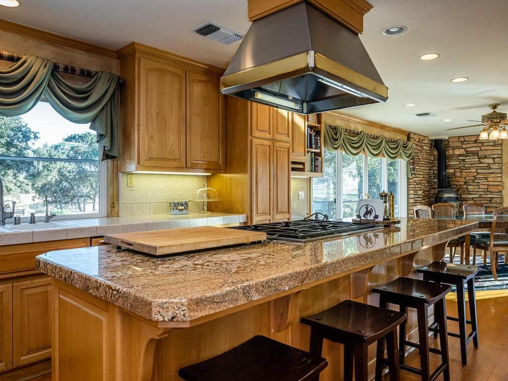 7997-Barnes-Rd-Paso-Robles-CA-020-021-Kitchen-MLS_Size