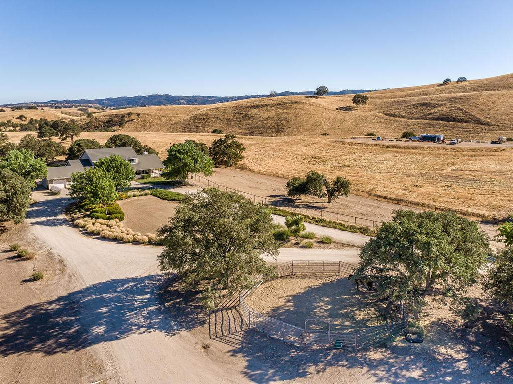 7997-Barnes-Rd-Paso-Robles-CA-045-042-Aerial-View-MLS_Size