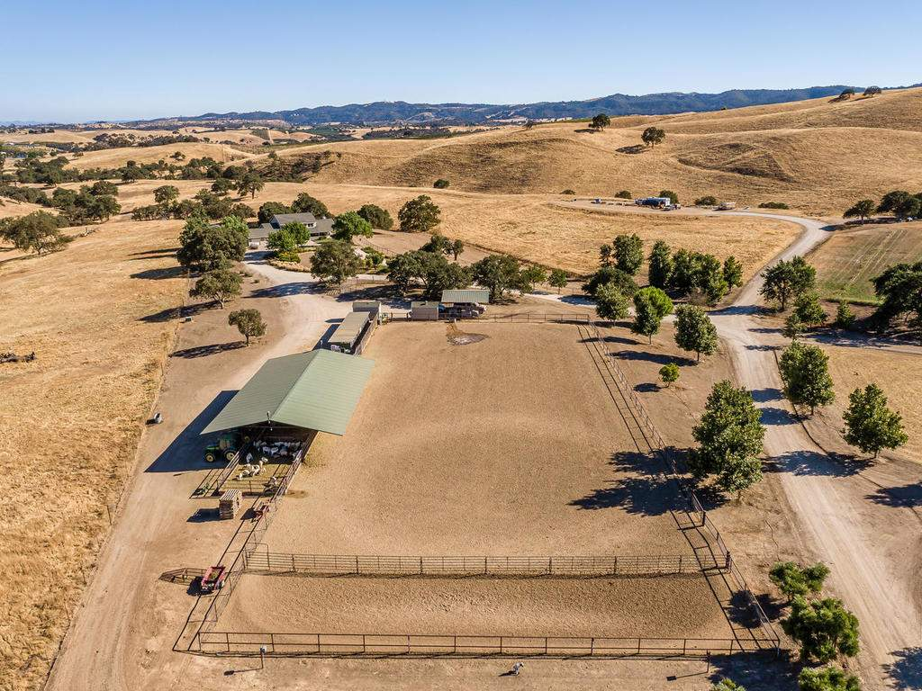 7997-Barnes-Rd-Paso-Robles-CA-046-048-Equestrial-Facilities-MLS_Size