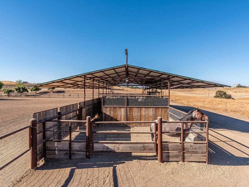 7997-Barnes-Rd-Paso-Robles-CA-048-046-Equestrial-Facilities-MLS_Size