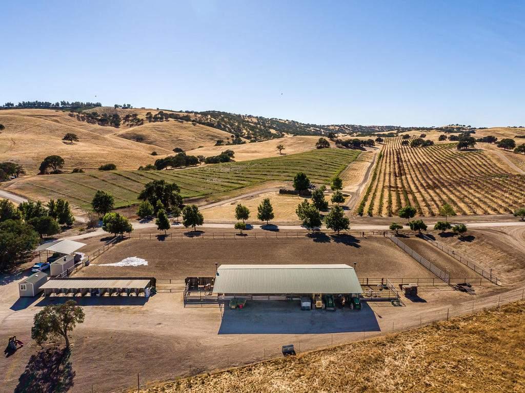 7997-Barnes-Rd-Paso-Robles-CA-051-045-Equestrial-Facilities-MLS_Size