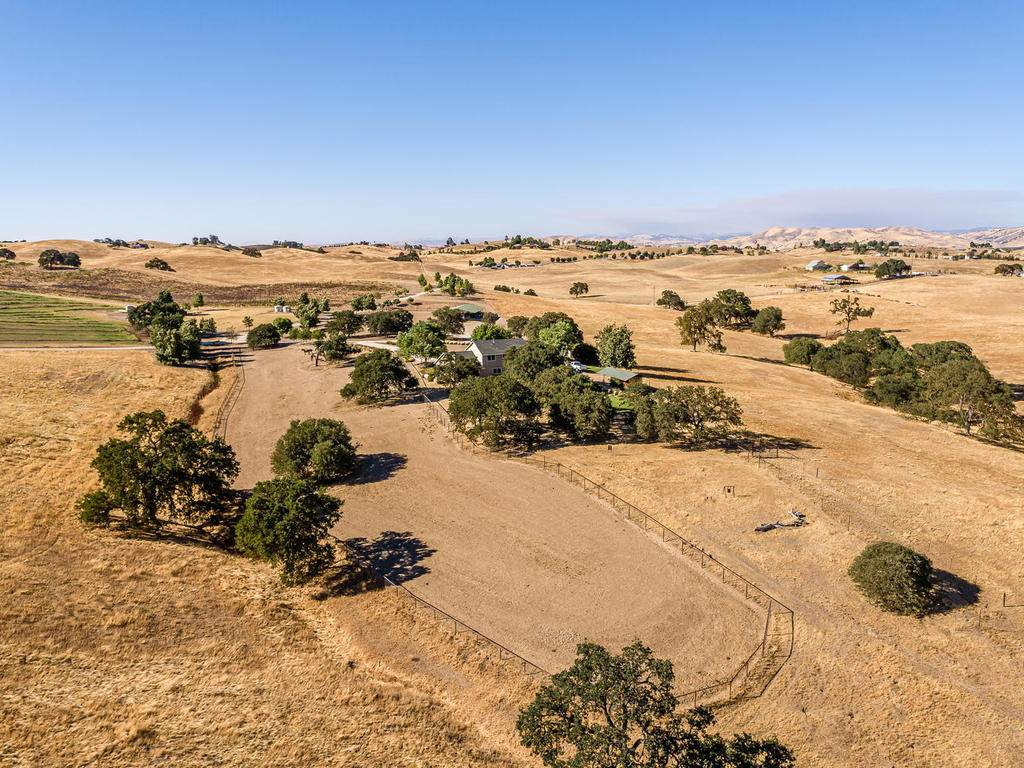 7997-Barnes-Rd-Paso-Robles-CA-061-060-Aerial-View-MLS_Size