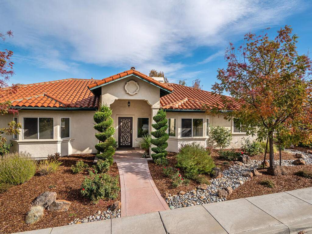 801-Sycamore-Canyon-Rd-Paso-001-001-Front-of-Home-MLS_Size