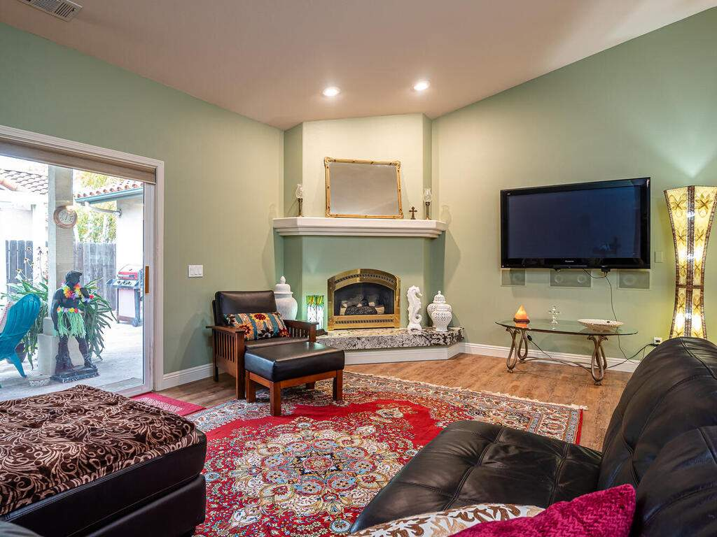 801-Sycamore-Canyon-Rd-Paso-004-004-Living-Room-MLS_Size