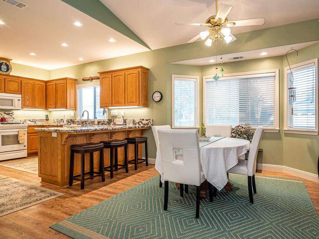 801-Sycamore-Canyon-Rd-Paso-010-013-Dining-RoomKitchen-MLS_Size