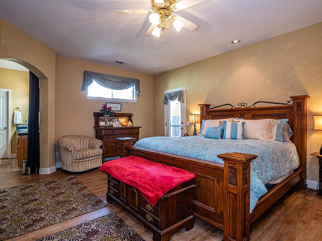 801-Sycamore-Canyon-Rd-Paso-015-009-Master-Suite-MLS_Size