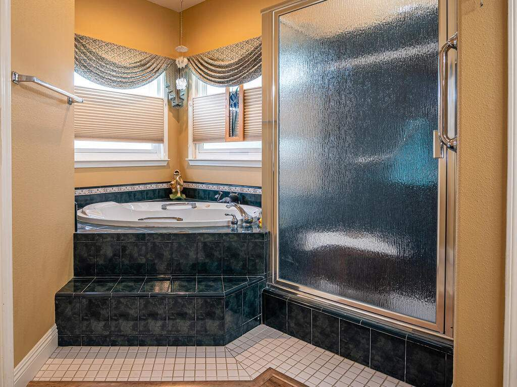 801-Sycamore-Canyon-Rd-Paso-017-014-Master-Suite-MLS_Size
