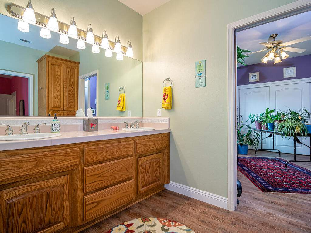 801-Sycamore-Canyon-Rd-Paso-020-019-Bathroom-2-MLS_Size