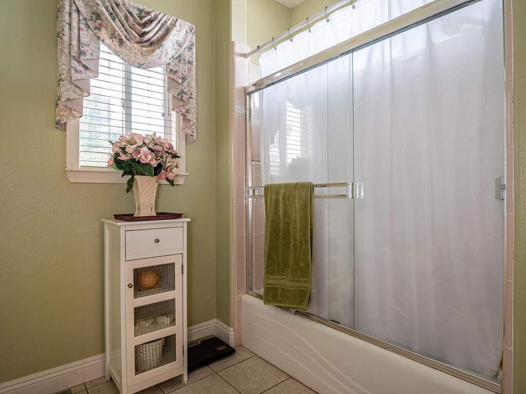 801-Sycamore-Canyon-Rd-Paso-021-017-Bathroom-2-MLS_Size