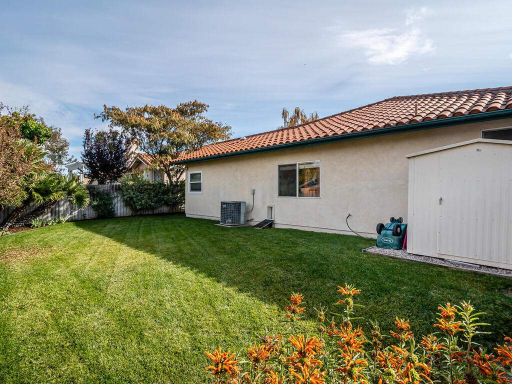 801-Sycamore-Canyon-Rd-Paso-027-029-Back-Yard-MLS_Size