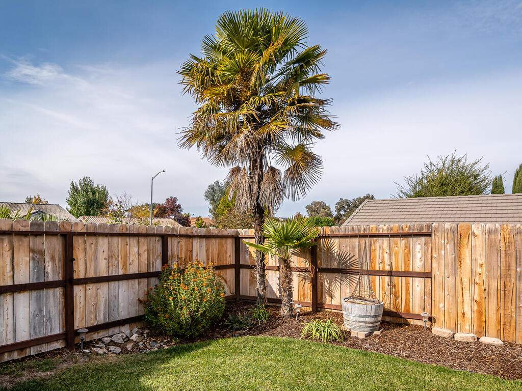 801-Sycamore-Canyon-Rd-Paso-029-027-Back-Yard-MLS_Size