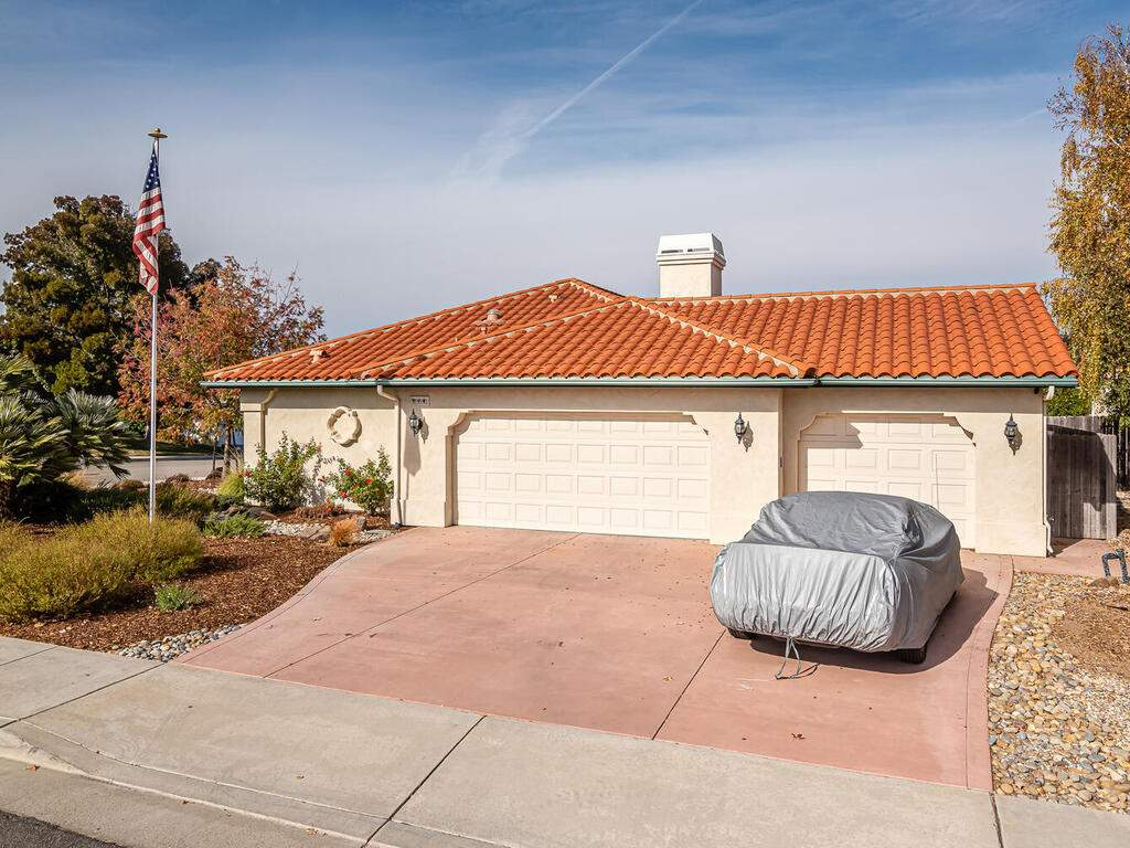 801-Sycamore-Canyon-Rd-Paso-030-030-Garage-MLS_Size