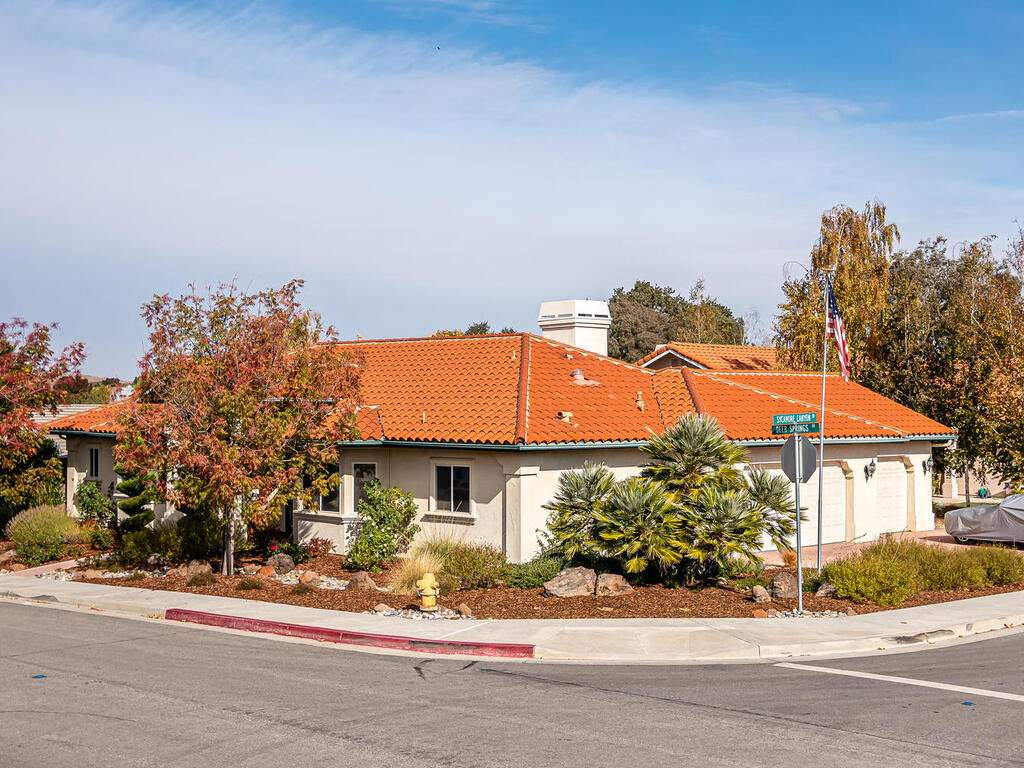 801-Sycamore-Canyon-Rd-Paso-031-026-Front-of-Home-MLS_Size