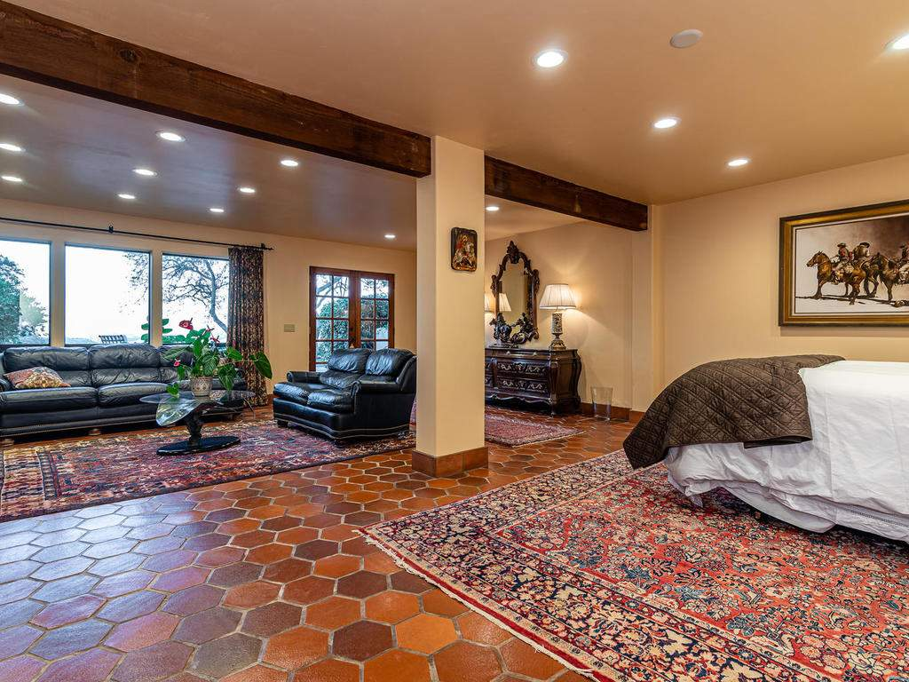 8300-San-Diego-Rd-Atascadero-036-044-Guest-Suite-MLS_Size