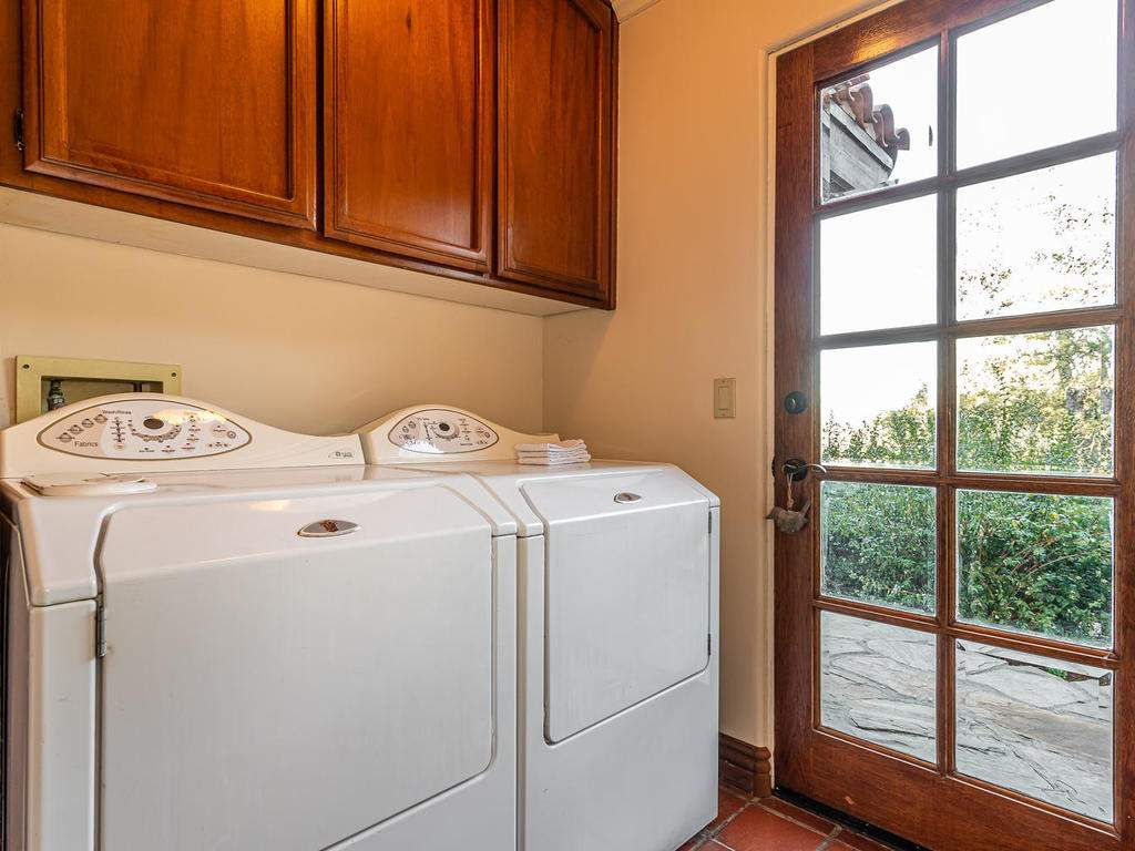 8300-San-Diego-Rd-Atascadero-041-036-Laundry-MLS_Size