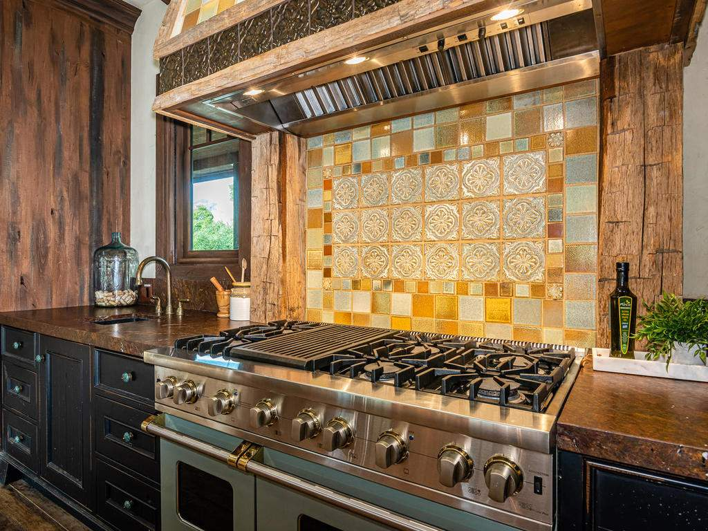 8455-Red-Mountain-Rd-Cambria-013-016-Kitchen-MLS_Size