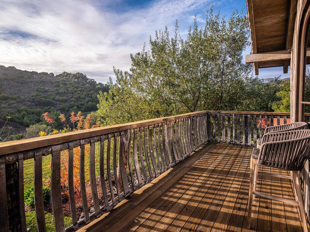 8455-Red-Mountain-Rd-Cambria-030-028-Loft-Deck-MLS_Size