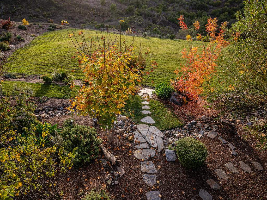 8455-Red-Mountain-Rd-Cambria-031-025-Loft-Deck-Views-MLS_Size