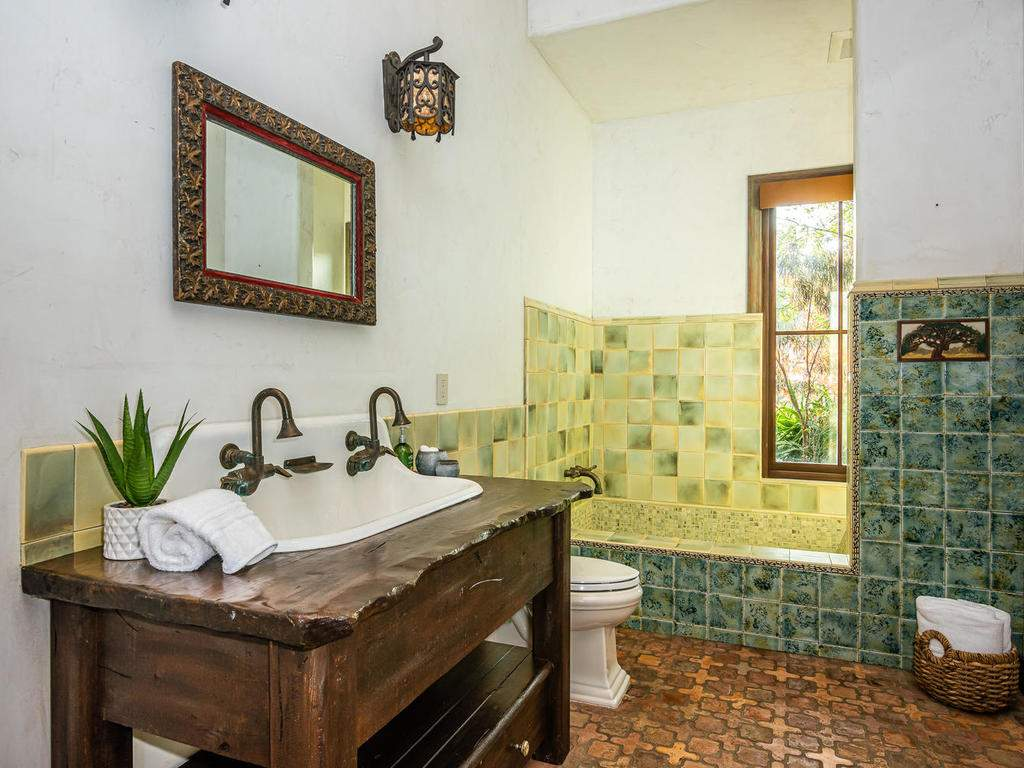 8455-Red-Mountain-Rd-Cambria-036-052-Bathroom-Two-MLS_Size