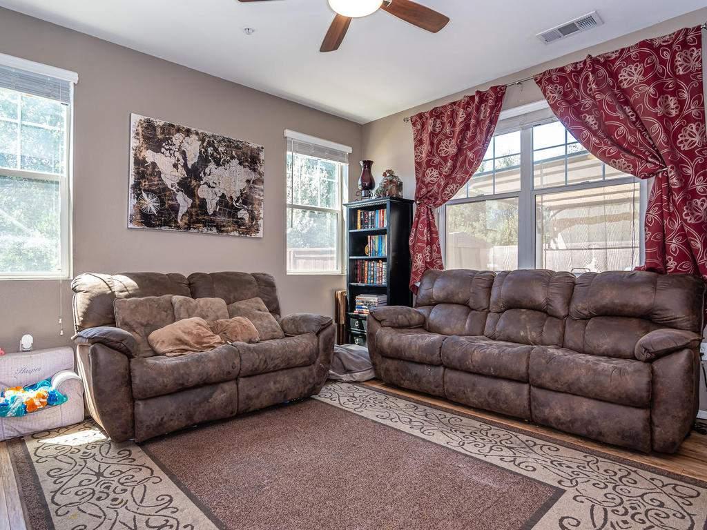 9107-Arbol-del-Rosal-Way-006-010-Living-Room-MLS_Size