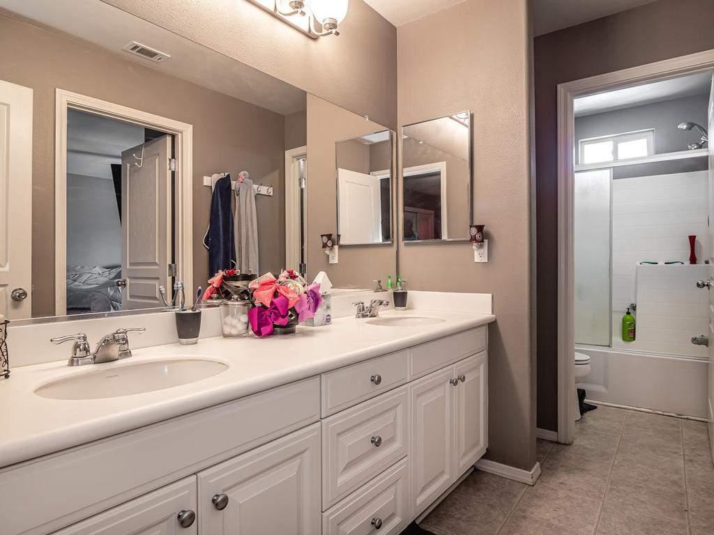 9107-Arbol-del-Rosal-Way-019-019-Bathroom-2-MLS_Size