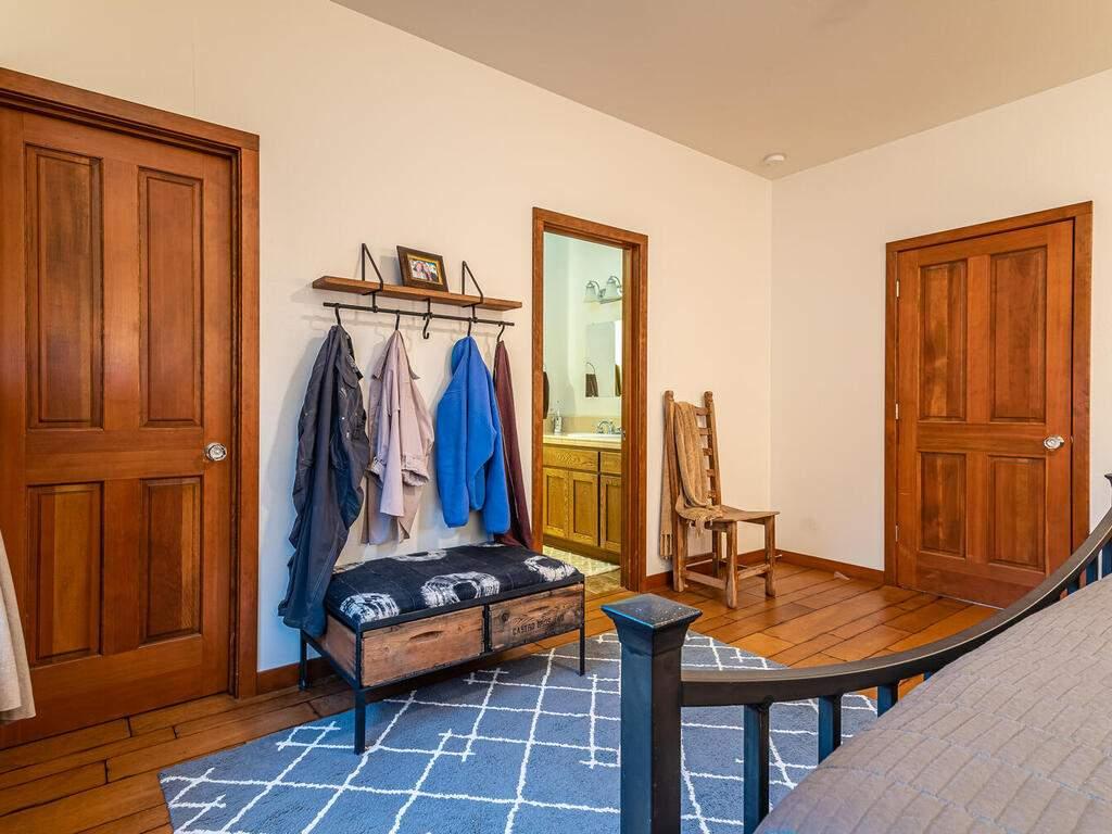 9299-Via-la-Montanita-Cambria-023-018-Master-Suite-MLS_Size