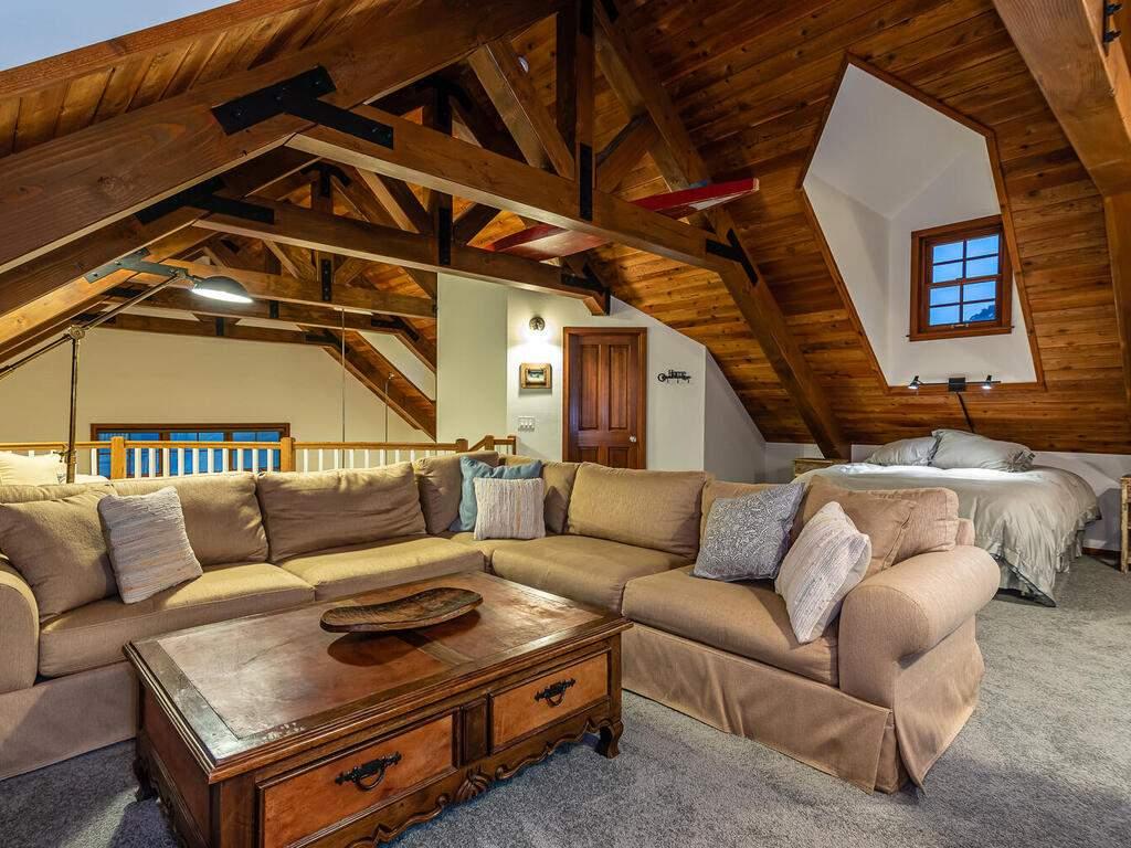 9299-Via-la-Montanita-Cambria-028-016-Loft-Suite-MLS_Size