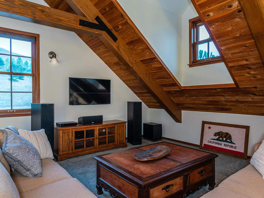 9299-Via-la-Montanita-Cambria-029-022-Loft-Suite-MLS_Size