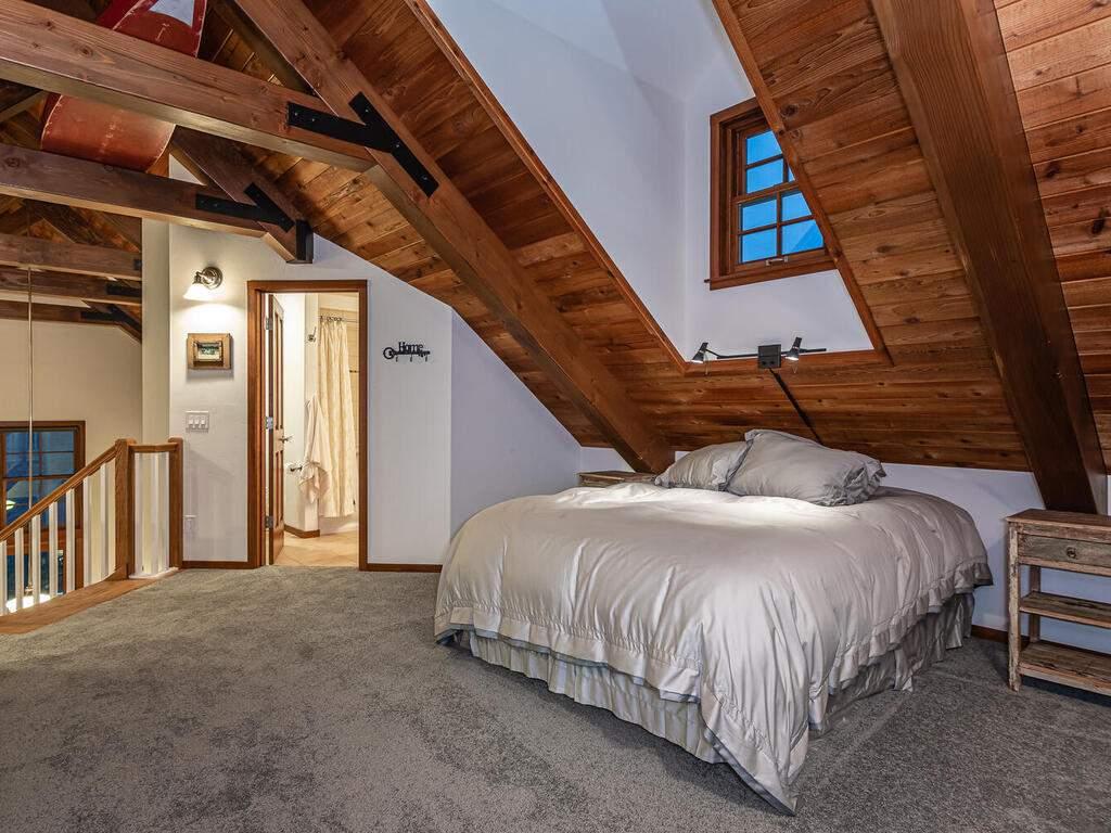 9299-Via-la-Montanita-Cambria-032-025-Loft-Suite-MLS_Size
