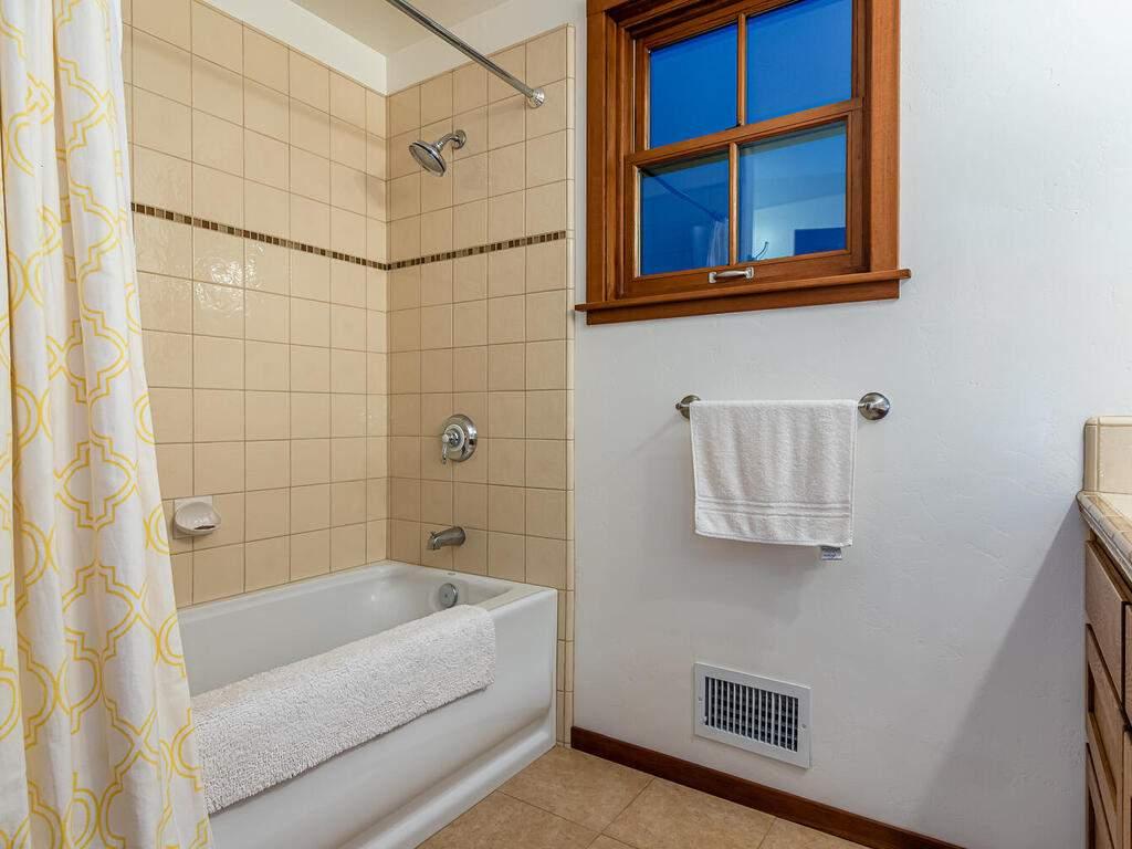 9299-Via-la-Montanita-Cambria-035-028-Loft-Suite-MLS_Size