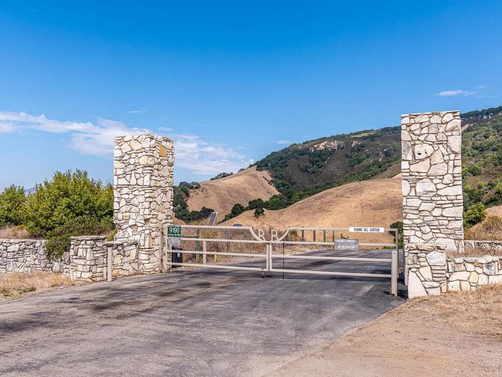 9299-Via-la-Montanita-Cambria-054-052-Entry-Gate-MLS_Size