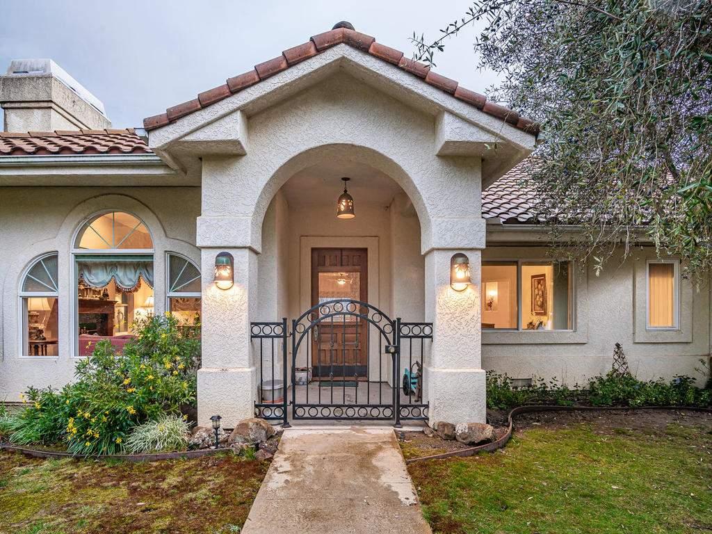 9305-Corona-Rd-Atascadero-CA-005-013-Front-of-Home-MLS_Size