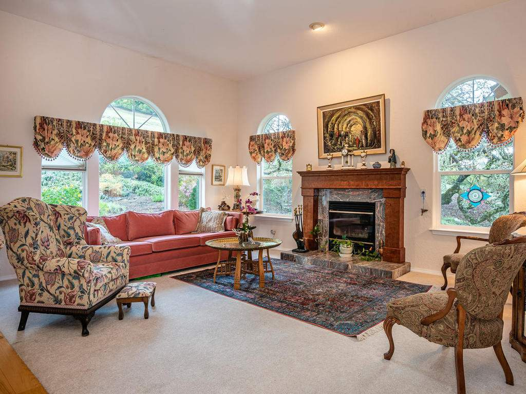 9305-Corona-Rd-Atascadero-CA-007-008-Living-Room-MLS_Size